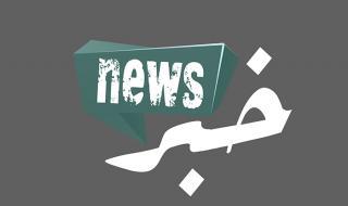 حفرة تظهر فجأة وتبتلع سيارة (فيديو)